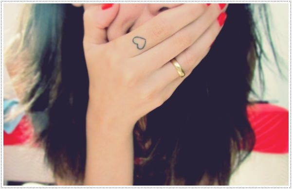 Heart tattoos for girl on finger