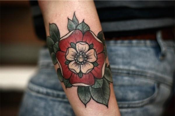 Lovely Flower Tattoo Ideas 31