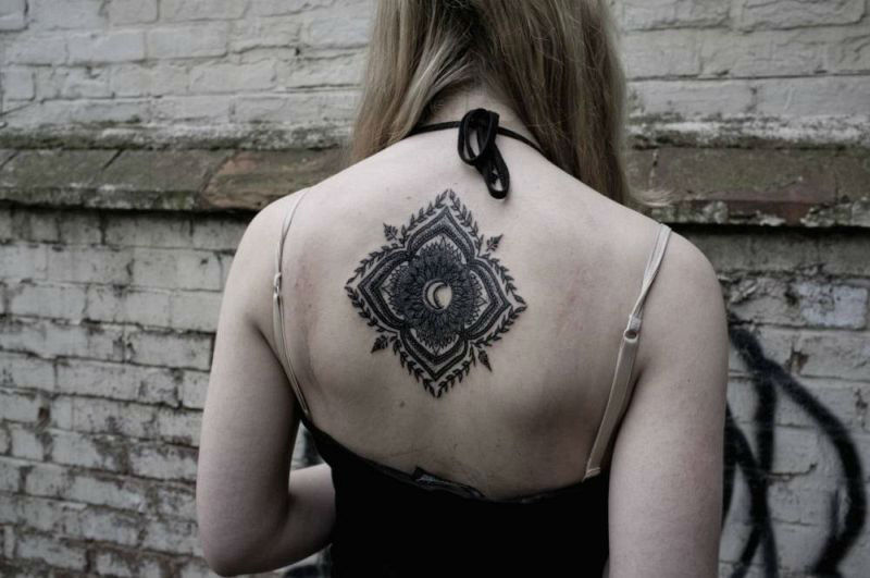 Upper Back Tattoos for Women 6