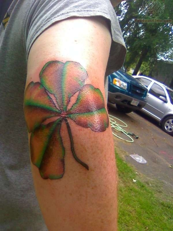 Leaf Tattoo Design Ideas 34