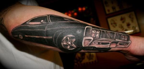 Stunning Black And Grey Tattoos 39
